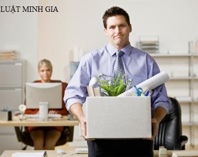 Hỏi về thanh toán tiền phép năm và trợ cấp thất nghiệp khi nghỉ việc