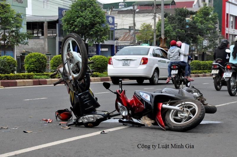 Vi phạm quy định về điều khiển phương tiện giao thông đường bộ