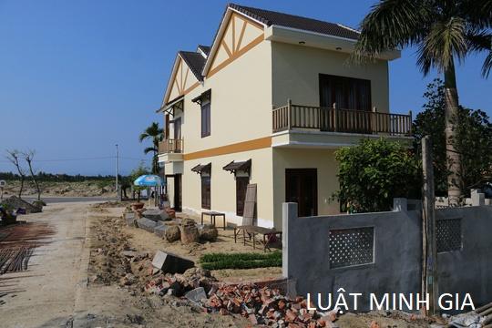 Nhà bên cạnh xây nhà lấn chiếm sang 30cm