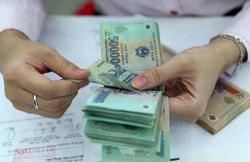 Tạm trừ thuế vào trong hợp đồng lao động