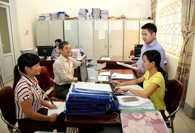 Làm sao để lấy lại giấy tờ gốc và tiền lương sau khi chấm dứt hợp đồng lao động?