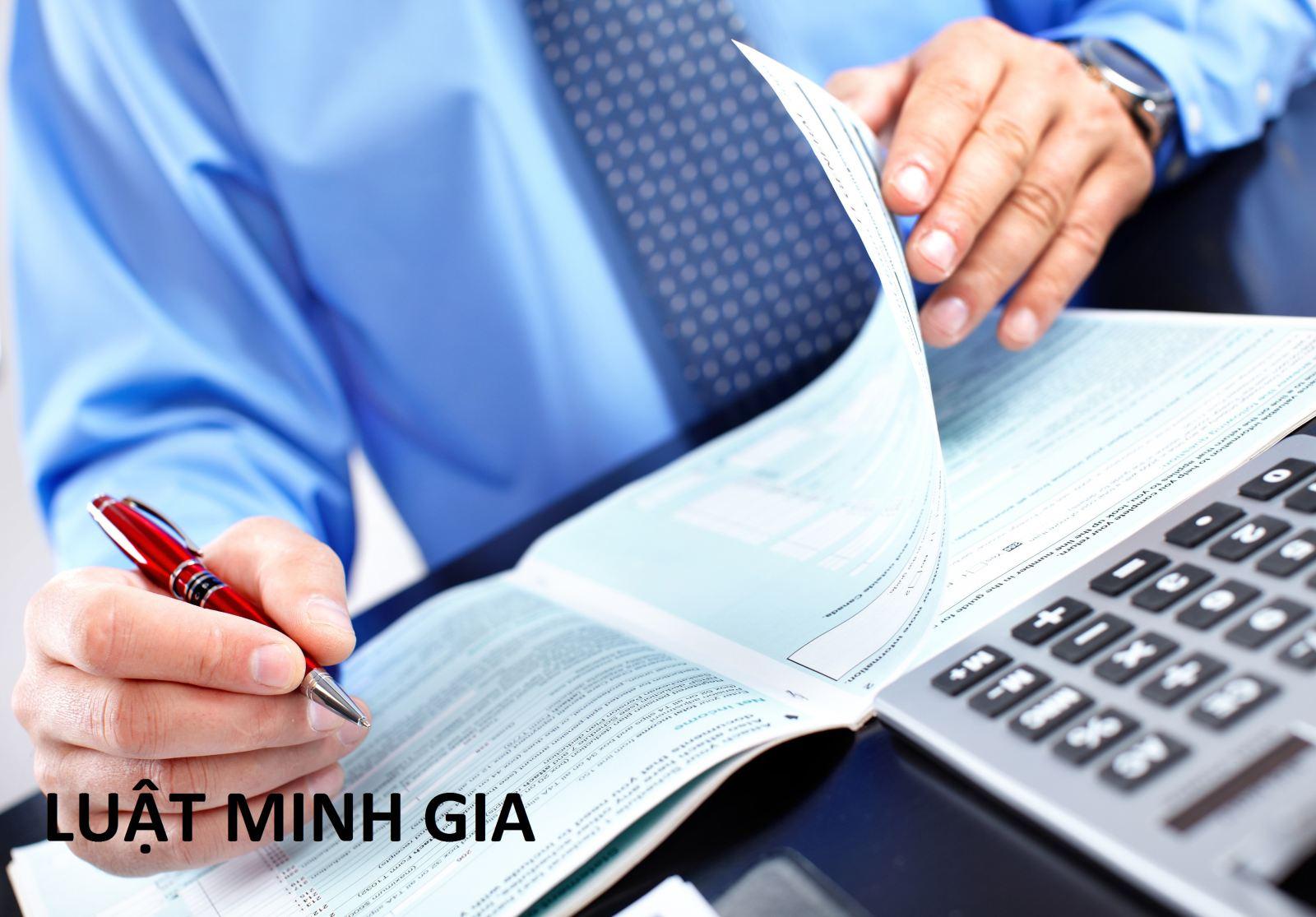 Kế toán làm chứng từ khống theo lệnh của giám đốc
