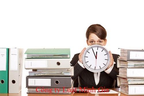 Bị người lao động ép buộc phải làm thêm giờ thì nên làm gì?