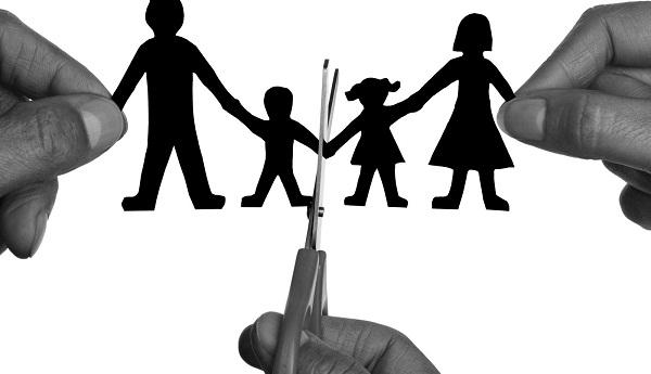 Khi ly hôn vợ có được phép nuôi con không?