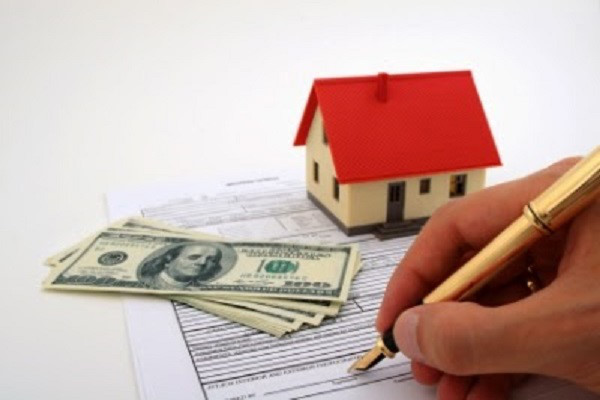 Thời điểm thanh toán tiền khi mua bán đất và thủ tục chuyển nhượng sổ đỏ?