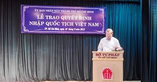 Vợ quốc tịch nước ngoài muốn xin nhập quốc tịch Việt Nam có được không?