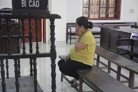 Muốn hoãn chấp hành hình phạt tù giải quyết như thế nào?