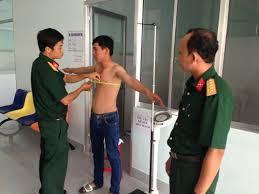 Vòng ngực như thế nào thì được miễn Nghĩa vụ quân sự?