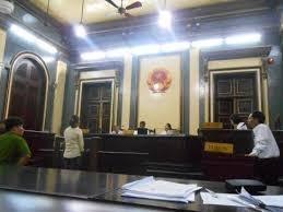 Nộp đơn hơn 4 tháng mà Tòa án vẫn chưa xét xử có đúng không?