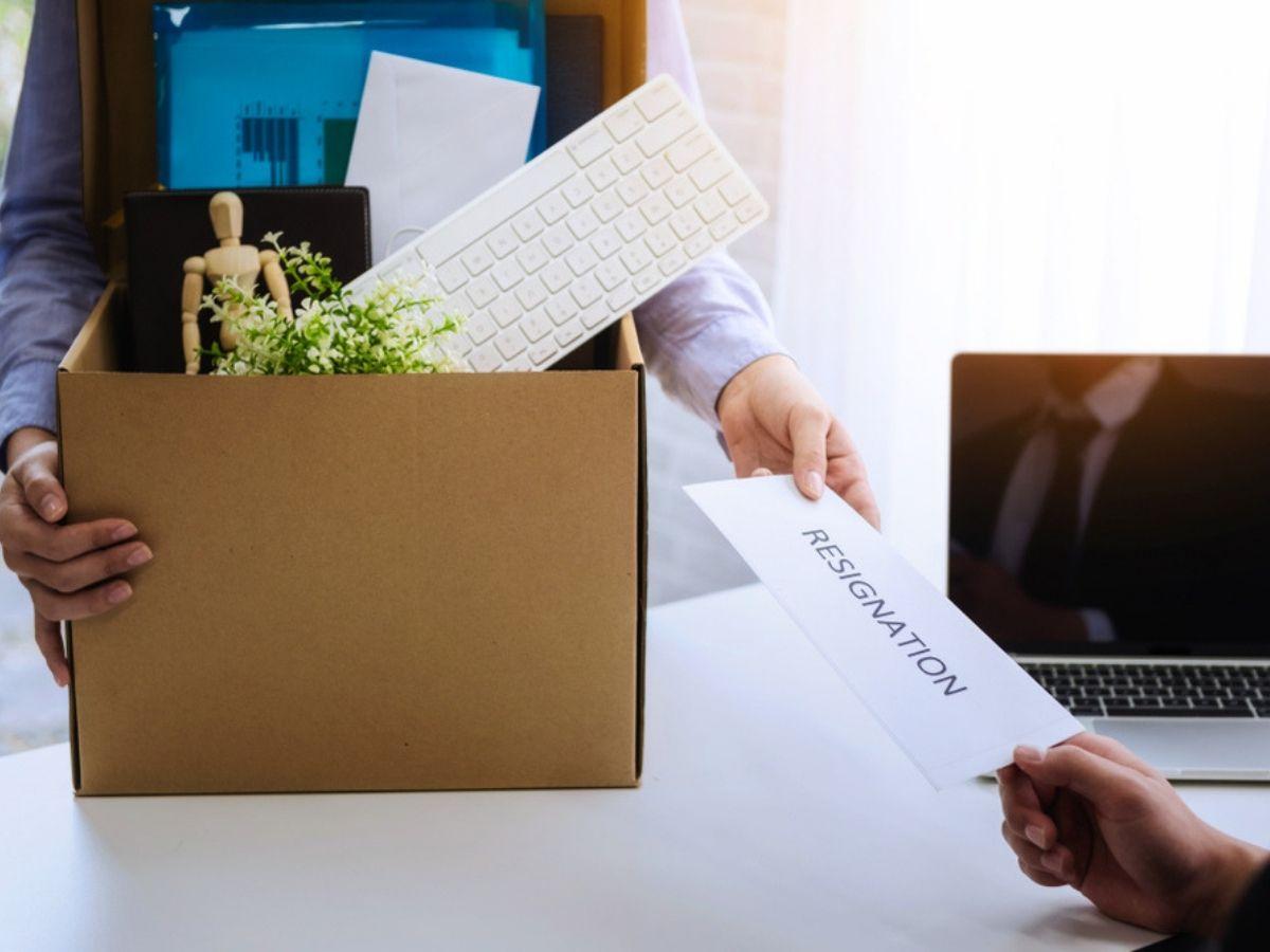 Đơn phương chấm dứt hợp đồng làm việc cần đáp ứng điều kiện gì?