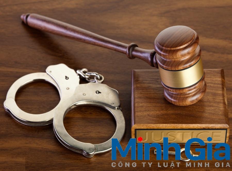 Phạm tội mới khi đang chờ thi hành án bị xử lý thế nào?